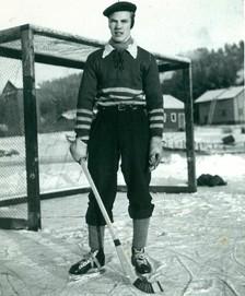 Jaakko_Loven_bandy_1948